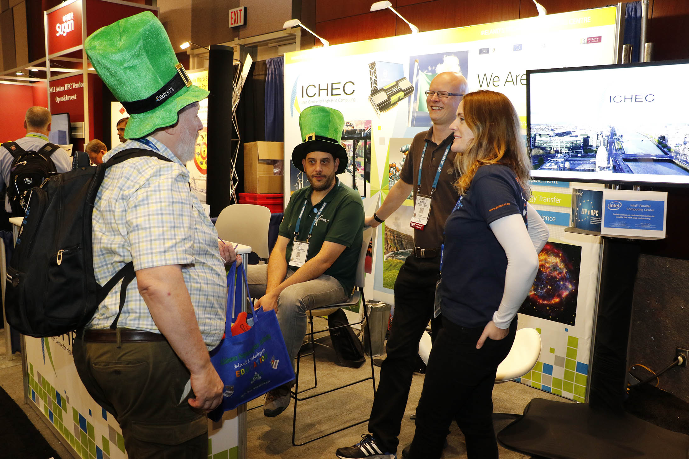 Visitors to the ICHEC booth at SC'15 (Austin, TX)